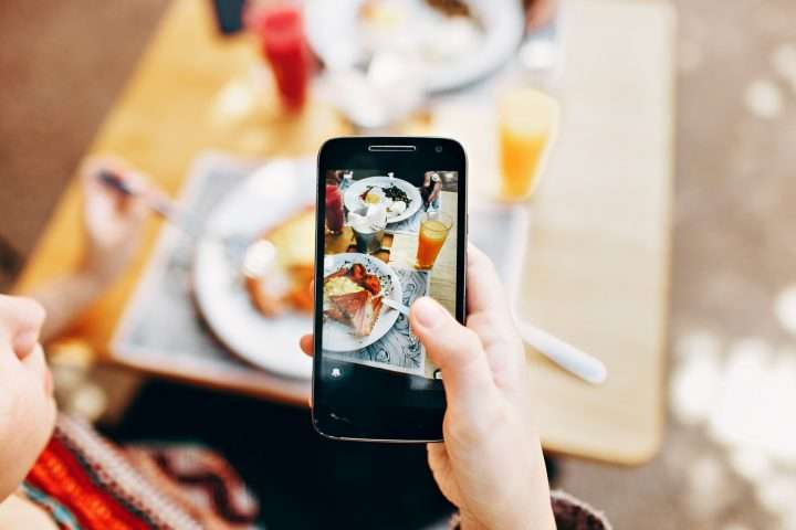 effect of media on eating habits The power of social media to affect our health and fitness tara sabo is a certified personal trainer, greatist ambassador, group fitness and spinning® instructor, freelance writer, wife, and mother.